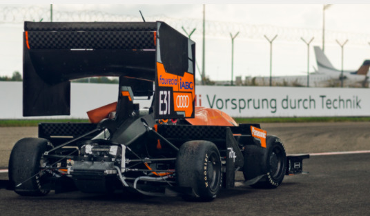 Das TU-fast-racing-Team in der Formula Student